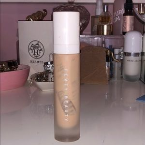 Fenty 200 pro filt'r soft matte foundation